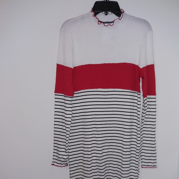 one clothing Dresses & Skirts - One clothing white,red & striped turtleneck dress